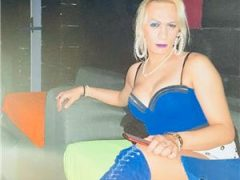 escorte mature: Transsexuala siliconata