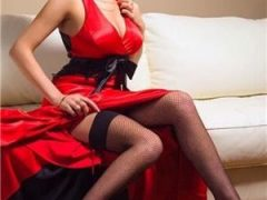 escorte mature: lady in red