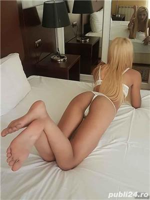 escorte mature: Blonda miniona calea victoriei